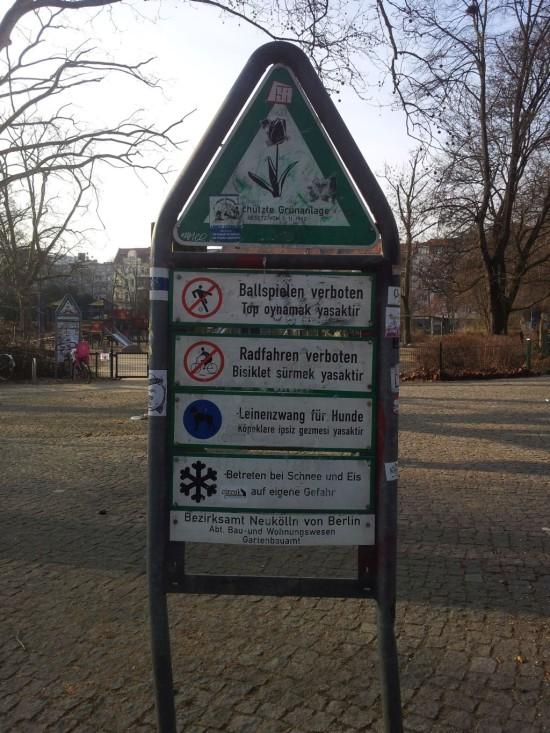 Radfahren verboten 01 550x733 Guter Cop   böser Cop: Radfahren verboten
