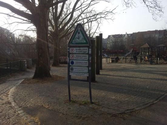 Radfahren verboten 04 550x412 Guter Cop   böser Cop: Radfahren verboten