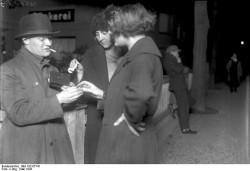 Bundesarchiv Bild 102 07741 Berlin Koks Emil der Kokain Verkäufer 250x171 Die Seidenstraße neu entdeckt