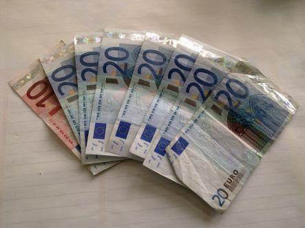 Szentypische st ckelung allgemeines kanzlei kanzlei for Ohrensessel 150 euro